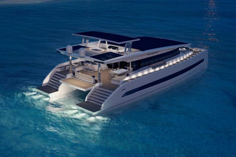 Silent 80, le catamaran à propulsion solaire